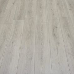Farmhouse - Light Grey Oak Laminate Flooring - 3