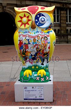 Birmingham, West Midlands, UK. 27th July, 2015. One of 89 giant owl sculptures forms part of The Big Hoot art event. - Stock Image