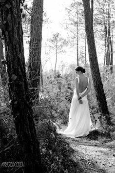 robe de mariée décolleté dos, wedding dress beautiful back dress , confidentiel création Bordeaux, Blog La Mariée en colère, photographe www.modaliza.fr