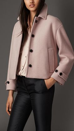 Burberry London Box-Fit Cashmere Jacket The clean design features dropped shoulders and bracelet-length sleeves for a relaxed fit. Classy Outfits, Cool Outfits, Casual Outfits, Modest Fashion, Fashion Outfits, Womens Fashion, Fashion Trends, Ladies Fashion, Coats For Women