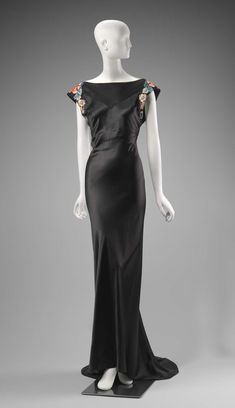 Vintage Fashion Travis Banton, Dress for Anna May Wong, The Museum of Fine Arts, Boston Vintage Gowns, Vintage Outfits, Vintage Evening Gowns, Vintage Clothing, Vintage Hats, Dress Vintage, 1930s Fashion, Vintage Fashion, Edwardian Fashion