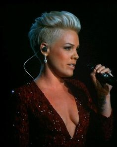 P!NK -Luv Her Hair