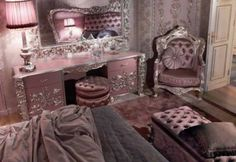 Carving Silver Italian Style Bedroom - Top and Best Classic Furniture and interior Design in Italy