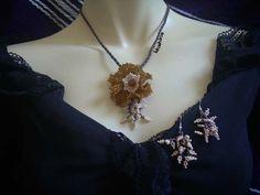 Parure Fleur Topaze creme - Boutique bijoux fantaisies Khahina  http://boutique.bijoux-khahina.com/product/parure-fleur-topaze-creme/