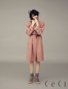CeCi, 2013.12, Miyoshi Ayaka dust pink coat Marc Jacobs. lace detail dust pink strap shoes Red Valentino.