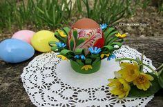 """Подставка для яйца """"Весенняя свежесть"""". Автор: Приморская Лилия Материал: фоамиран (не боится влаги, не теряет форму)."""