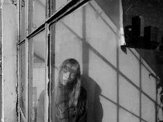 PHOTOGRAPHY: ELIZA SYS MODEL : LAUREN TAYLOR