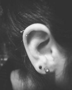 piercing helix y upper lobe by caromod