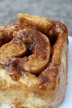 Triple glazed cinnamon buns | broma bakery