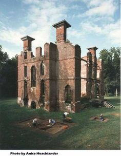 Can't believe I lived near this place for 4 years and never knew about it.  If I ever go back, I want to see it.  HISTORIC ROSEWELL ... where the past is a presence. The ruins of one of the finest mansions built in the colonies sit on the banks of the York River in Gloucester County, Virginia