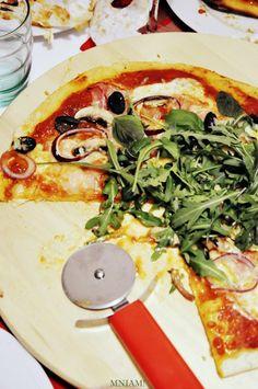 Mniam: Włoska pizza na cienkim cieście w dwóch odmianach