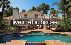 i love big houses! (: