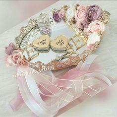 Engagement Ring Platter, Engagement Rings, Wedding Favors For Guests, Wedding Gifts, Arab Wedding, Studio Ghibli Art, Ring Pillows, Paper Crafts Origami, Swarovski