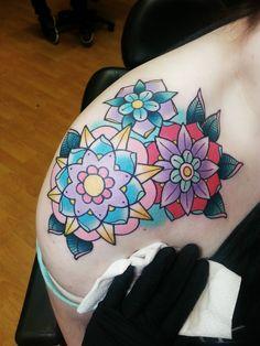 Done by the wonderful Alex Strangler at Dolorosa Tattoo in LA - Imgur