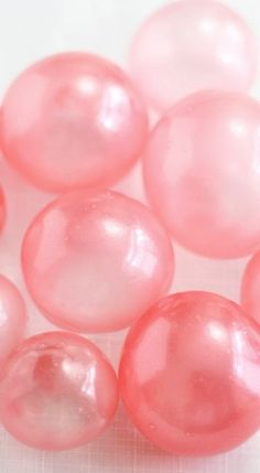 How to Make Gelatin Bubbles for Cakes & Cupcakes. Step by Step Pictures and Instructions.