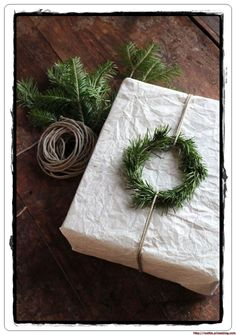 Gift Wrapping Ideas-my scandinavian home: Beautiful, simple Danish Christmas DIY inspiration Danish Christmas, Noel Christmas, Winter Christmas, All Things Christmas, Christmas Crafts, Cheap Christmas, Homemade Christmas, Rustic Christmas, Simple Christmas
