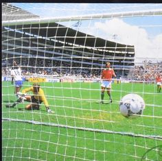 France 3 Hungary 0 in 1986 in Leon. Dominique Rocheteau scores to make it after 84 minutes in Group C at the World Cup Finals. World Cup Final, Scores, Finals, Mexico, Group, School, Soccer, France, Final Exams