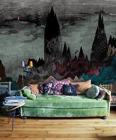I cannot get over these gorgeous wall murals! It makes me want to clear off a wall in my house and go to town. Some of them are painted dire...