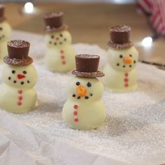 Snowman Truffles - No snow this Christmas? Not to worry, make these cute truffles instead (chrismas party food)