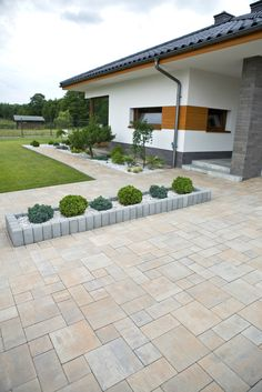 Kostka brukowa Visio, kolor: wapień muszlowy - All For Garden Modern Landscaping, Front Yard Landscaping, Driveway Design, Backyard Patio Designs, Patio Ideas, Garden Ideas, Landscape Design, House Design, Home