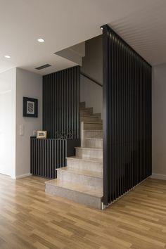 Staircase Interior Design, Balcony Railing Design, Home Stairs Design, Home Building Design, Modern Staircase, Home Room Design, Home Interior Design, Dream Home Design, Spiral Staircases