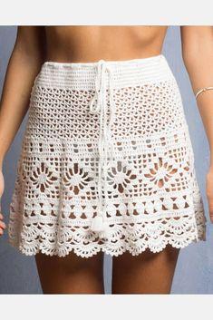 Saia em croche com linhas de algodão. Forrada.