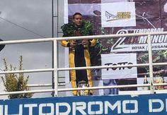 En apretada y emocionante carrera, Camilo Forero terminó segundo
