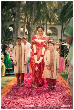 The red carpet entry! #HappyBride Arjun Kartha Photography | Photos an Indian Bride Can't Miss in Her Wedding Album | http://arjunkarthaphotography.com