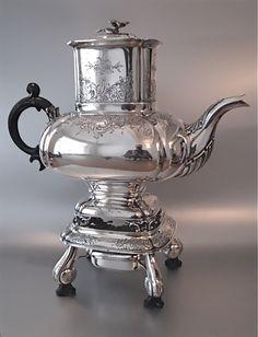 19e eeuwse Nederlandse koffie/theepot | Serviezen, theepotten en theelichten | Collectie | Antiek Zilver