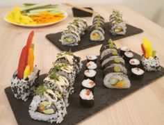 Veggie Sushi im Selbstversuch California Rolls, Veggie Sushi, Avocado, Mango, Veggies, Ethnic Recipes, Food, Gluten Free Recipes, Cooking