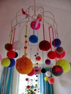 Pom Pom Advent Calender by Jans Schwester Pom Pom Crafts, Yarn Crafts, Diy And Crafts, Arts And Crafts, Diy For Kids, Crafts For Kids, Pom Pom Mobile, Pom Pom Decorations, Craft Projects