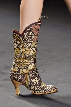 ANNA SUI  Spring/Summer 2015 Collection  New York Fashion Week