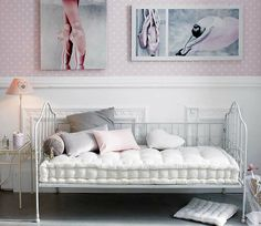 Ariana Mix and Chic: Home tour- A casually romantic home!