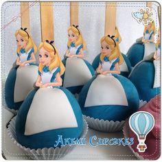 """""""Maçãs decoradas da Alice no País das Maravilhas"""