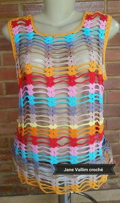 Diseño  princesa. Gilet Crochet, Crochet Shell Stitch, Crochet Poncho Patterns, Crochet Jacket, Crochet Cardigan, Hand Crochet, Crochet Stitches, Crochet Tank Tops, Crochet Cover Up