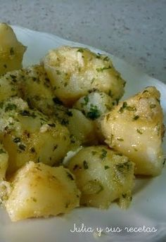 Estas ricas patatas son muy sencillas de preparar y por su intenso sabor podrían ser un aperitivo perfecto para acompañar una cerveza o...