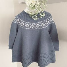 Knitting For Kids, Baby Knitting, Baby Barn, Cashmere Sweaters, Knit Crochet, Bell Sleeve Top, Girls Dresses, Baby Knits, Pullover