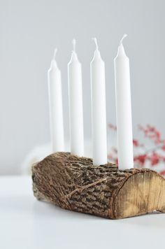 DIY Adventskranz aus Holz: Schlichte Advents und Weihnachtsdeko aus Naturmaterialien: https://bonnyundkleid.com/2015/11/schlichter-adventskranz-aus-holz/ do it yourself idea advent christmas home deko Mehr