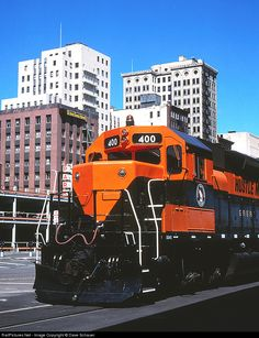 Net Photo: GN 400 Great Northern EMD at Duluth, Minnesota by Dave Schauer Great Northern Railroad, Duluth Minnesota, Burlington Northern, Railroad Photography, Electric Train, Old Trains, Train Engines, Diesel Locomotive, Train Tracks