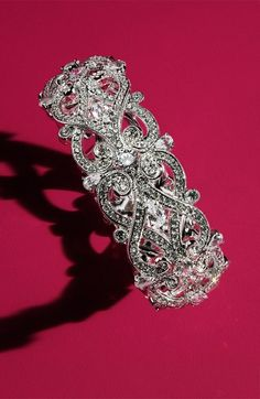 Such a beautiful sparkling crystal bangle.