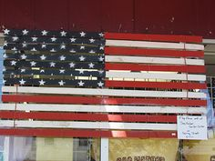 Flag made from snow fence Snow Fence, Country Primitive, Repurposed, Kids Room, Flag, Holiday Decor, Crafts, Poet, Liberty