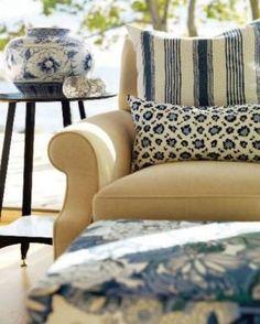 Ideas for decorating your beach house - Sarahs Cottage - living room - Georgian Bay.JPG