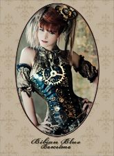 Steampunk its more than an aesthetic style, it's the longing for the past that never was. In Steampunk Girls we display professional pictures, and illustrations of Steampunk, Dieselpunk and other anachronistic 'punks. Some cosplay too! Steampunk Couture, Chat Steampunk, Costume Steampunk, Viktorianischer Steampunk, Steampunk Clothing, Steampunk Fashion, Steampunk Dress, Steampunk Design, Gothic Clothing