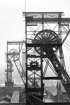 """the-eternal-moonshine: """"Ulrich Mack. Photographie Leica, Online Galerie, Industrial Architecture, Industrial Photography, Building Art, Travel Humor, Chiaroscuro, Industrial Revolution, Retro Futurism"""