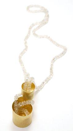 Christian Balmer, Viceversa — Bijoux Contemporains Contemporary Jewellery, Jewelry Art, Pearl Necklace, Christian, Gemstones, Pearls, Switzerland, Rhinestones, Sequins