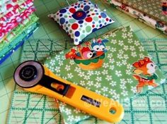 100+ DIY Fat Quarter Projects http://weallsew.com/2013/12/20/weallsew-for-the-holidays-100-diy-sewing-gifts-from-fat-quarters/