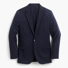 When we set out to make our unstructured Ludlow—our lightest ever—we wanted it to look like a blazer but feel like a T-shirt. To that end, we partnered with Somelos, an expert mill in Portugal (a country that's no stranger to sun-filled days), to weave an incredibly breathable cotton fabric. Then we cut it in our famous slim Ludlow silhouette without any of the usual canvasing or padding you'd find in a suit. It's the most versatile jacket a guy can own—from business casual to a w...