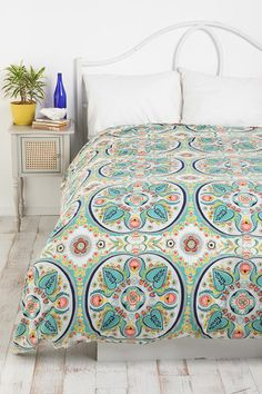 Painted Medallions Duvet Cover from Urban Outfitters. Saved to Duvets. Shop more products from Urban Outfitters on Wanelo. Dream Bedroom, Home Bedroom, Bedroom Decor, Bedrooms, Master Bedroom, My New Room, My Room, Spare Room, Dorm Room