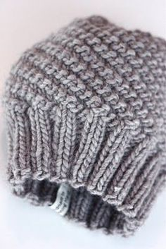 Dronning Maud: Hjemmelaget julegavetips! Crochet Mittens, Knit Crochet, Knitting Projects, Knitting Patterns, Knitted Hats Kids, Bindi, Warm Outfits, Knit Fashion, Beanie Hats