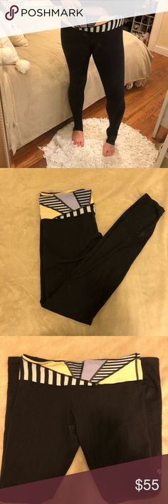 Lululemon work out leggings In gently loved condition - slight pilling in the crotch area (pictured above). Tribal printed band. Comfortable and flattering lululemon athletica Pants Leggings